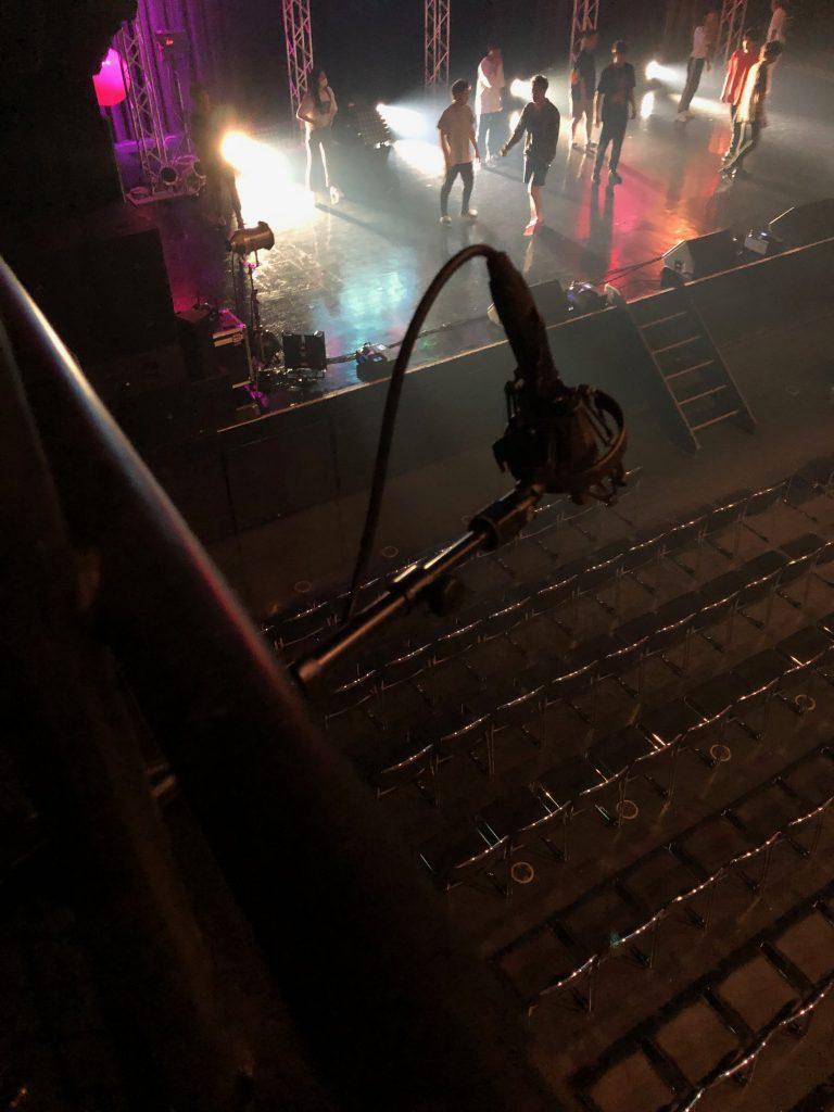 Zepp名古屋のバルコニーにセットしたオーディエンスマイク B&K4006