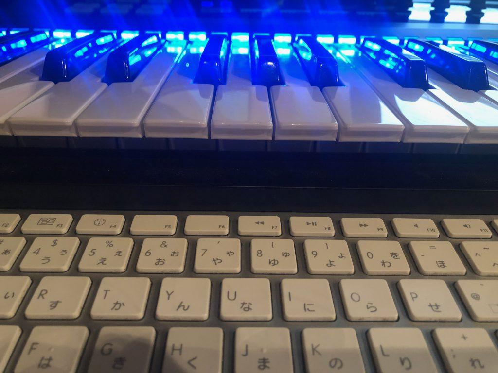 岩崎将史の制作環境、KOMPLETE KONTROL S61とMacのキーボード