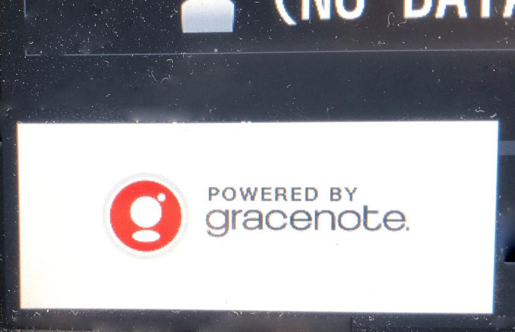 トヨタ純正のカーステレオはgracenoteの表記が出ます