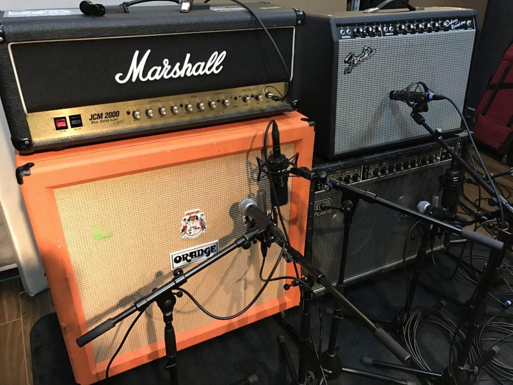 スタジオ フルハウスでのEギター録音の様子