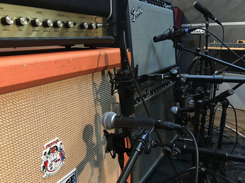 スタジオフルハウスでのEギターレコーディングの様子