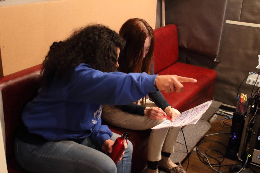 フルハウスでボーカルディレクションをするPrisca Molotsiさんとボーカルの黒木あさ美さん