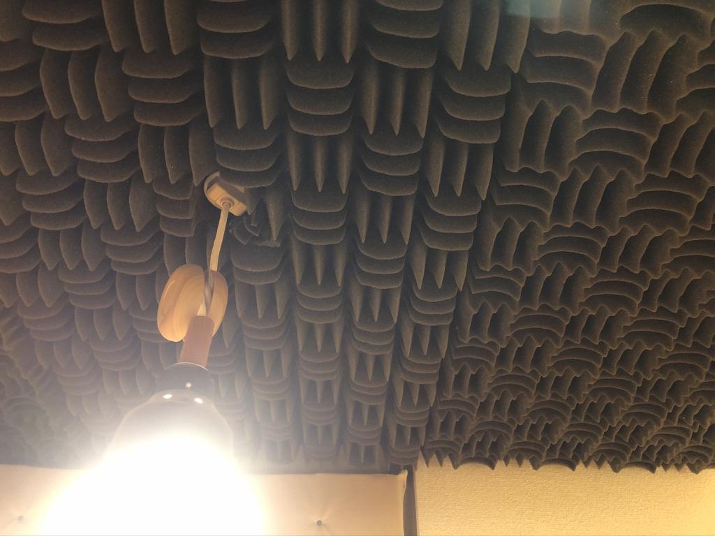 フルハウスのスモールブースの天井に貼ったSONNEX